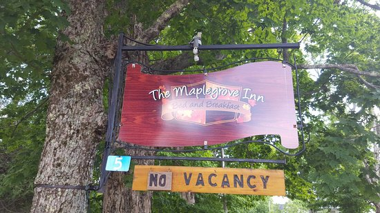 The Maplegrove Inn: 20160724_165122_large.jpg