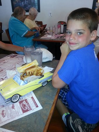 Lefty's Dinner and Drive-in : My boys loved their meals at Lefty's. Cute restaurant!