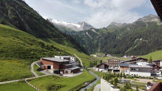 Hotel Alpenhof Hintertux: Vistas desde el balcón de la habitación
