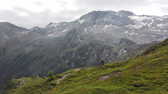 Hotel Alpenhof Hintertux: Paseo por la montaña
