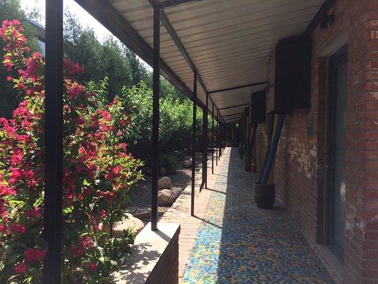 Brickyard Retreat at Mutianyu Great Wall: View of standard hotel rooms at Brickyard