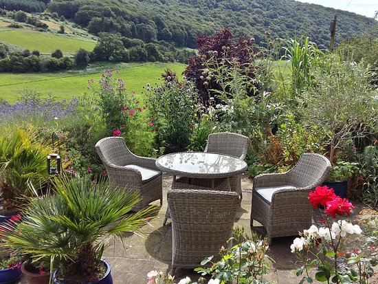 Llandogo, UK: Outside seating with panoramic valley view at Ty Bryn