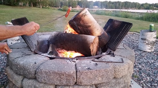 Trout Lake, MI: Nice area for bonfires set by the lake.