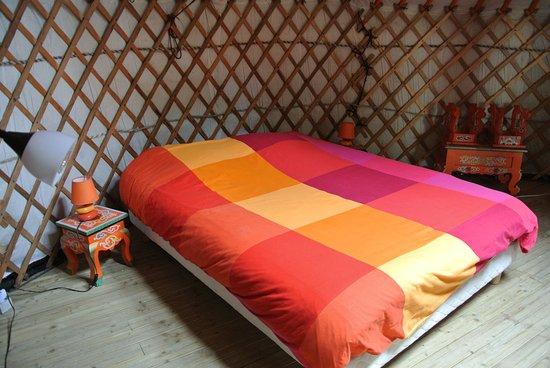 lit photo de le village insolite saint benoit des ondes tripadvisor. Black Bedroom Furniture Sets. Home Design Ideas