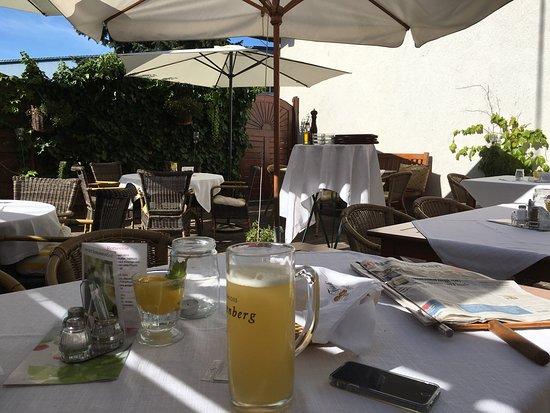 Kremsmünster, Austria: Leckeres Essen in idyllischer Umgebung