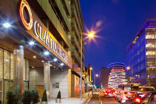 Clayton Hotel Cardiff Lane: Outside View