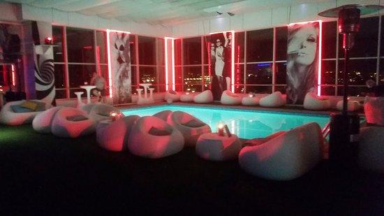 Terraza Por La Noche Zenith Lounge Picture Of Hf Ipanema
