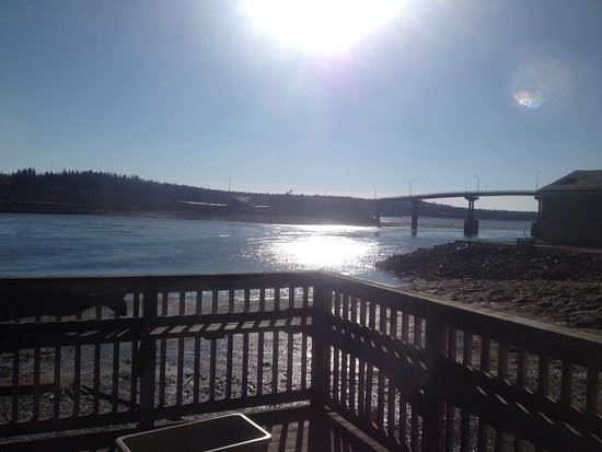 Atlantic House Coffee & Deli: Enjoy the Sunrise over Campobello while eating a homemade Bagel, Bialy or Scone or maybe the Fis