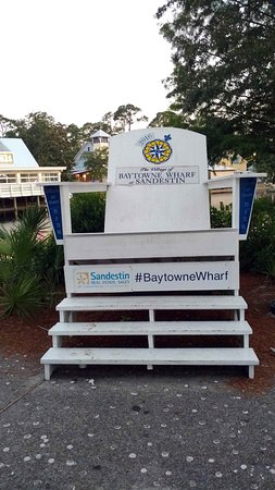 Village of Baytowne Wharf : Every visitor loves to take a picture on this high chair