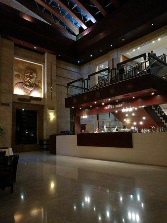 Pars International Hotel: TA_IMG_20160803_203832_large.jpg