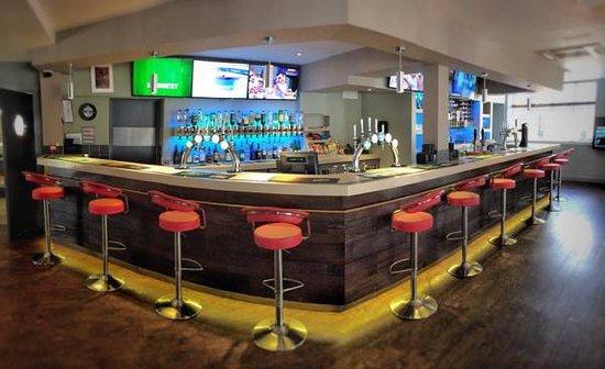 77 Bar & Eatery