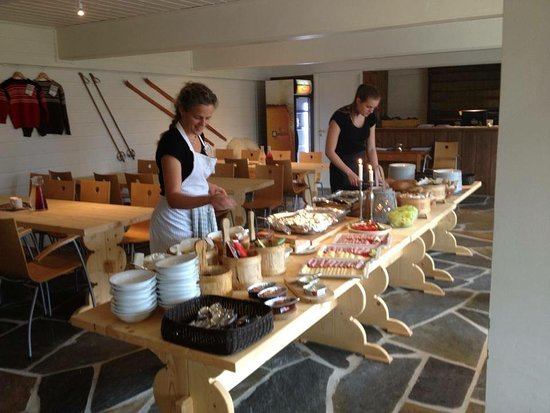 Skeikampen, Noorwegen: Servering ved samling