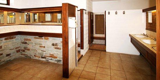 Perran Springs Holiday Park: Shower Facilities - Ladies