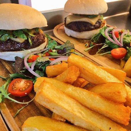 The Sun Inn: Homemade Burger