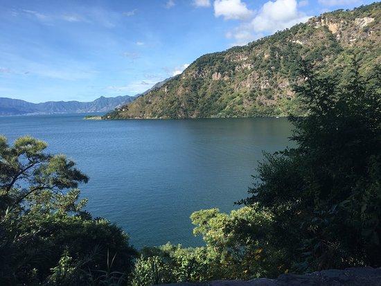 Hotel Reserva Natural Atitlan: Lake Atitlan at the Reserve / El lago en la Reserva