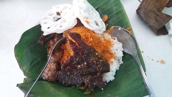 Hasil gambar untuk Nasi Punel Hj. Lin