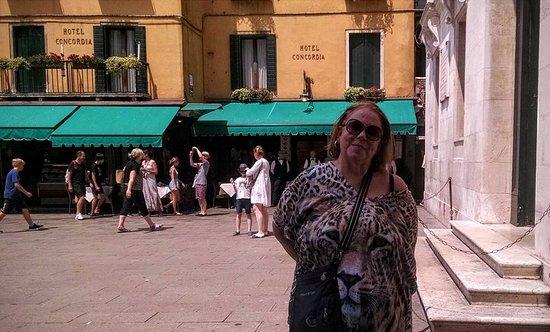 Hotel Concordia: Lateral do Hotel com vista para a Piazza San Marco