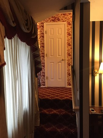 Inn at 410 Bed and Breakfast: photo2.jpg