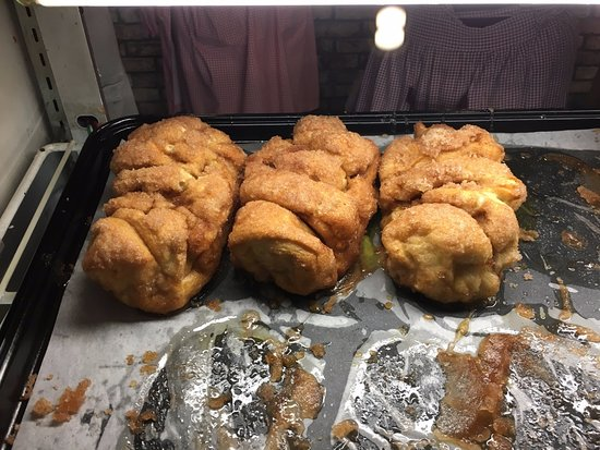 Cinnamon Bread Picture Of Dollywood Pigeon Forge Tripadvisor
