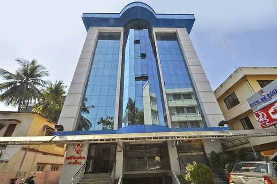 Hotel S.M. Regency: See the alibaba restaurant