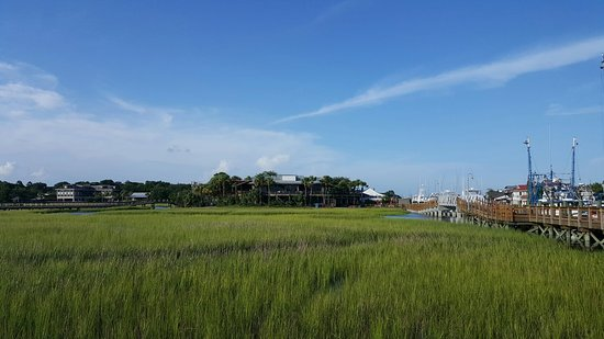 Shem Creek Inn: 20160801_182801_large.jpg