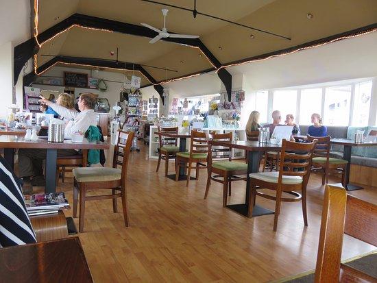 Kinghorn, UK: dining area