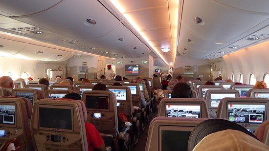 A380 interieur picture of emirates world tripadvisor for Interieur airbus a380
