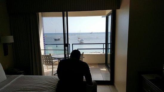 Royal Palm Beach Resort: Bedroom view w/balcony