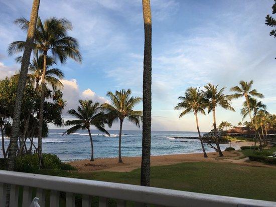 كياهونا بلانتيشن ريزورت كاواي باي آوتريجر: View from 2nd floor of #189. This is a public beach next door.