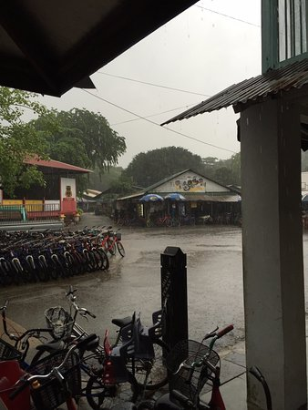 Adventures by Asian Detours: Downpour day of the tour