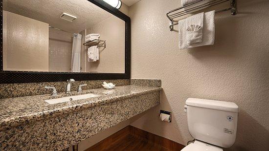 BEST WESTERN PLUS South Bay Hotel: Bathroom