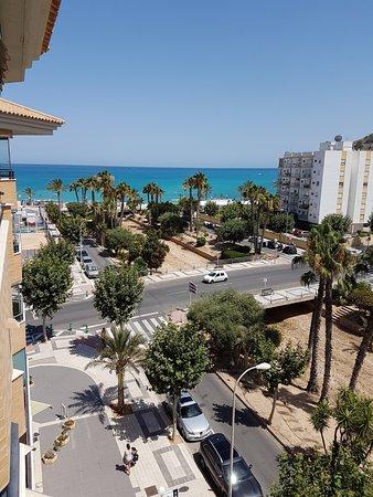 Boulevard Apartamentos Alfaz Playa Albir: uitzicht vanuit de kamer. Alle kamers kijken hierop uit.