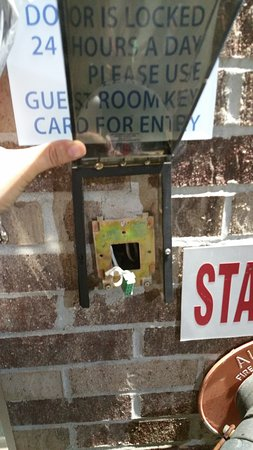 Holiday Inn Express & Suites Clinton: No card key entry, nor was door locked