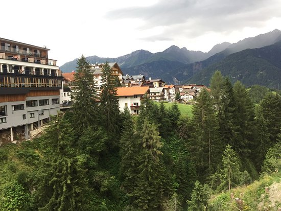 Peaks Alpine Bar