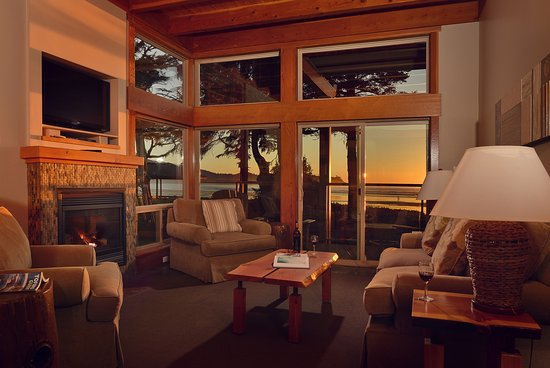 Pacific Sands Beach Resort: Two Bedroom Beach House - Living Room