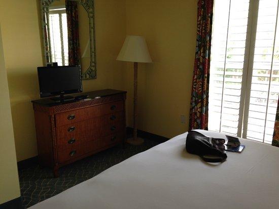 Sunshine Suites Resort Resmi