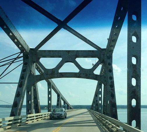 Topping, เวอร์จิเนีย: The bridge to Irvington