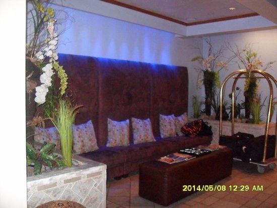 Casa Grande Suite Hotel of South Beach: A recepción kis büfé reggeli, indulás előtt.