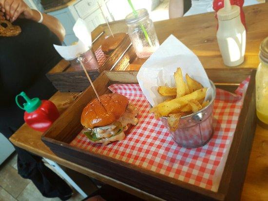 Burger Stack: Amaziiinnnnnn everythin