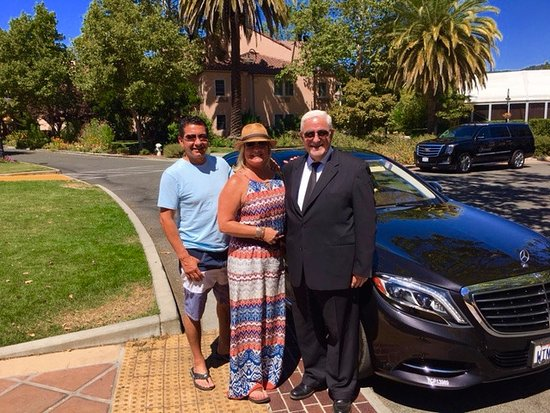 Napa Valley Tours & Transportation: A lovely day with our driver, Anwar Skaff, touring Sonoma wineries.