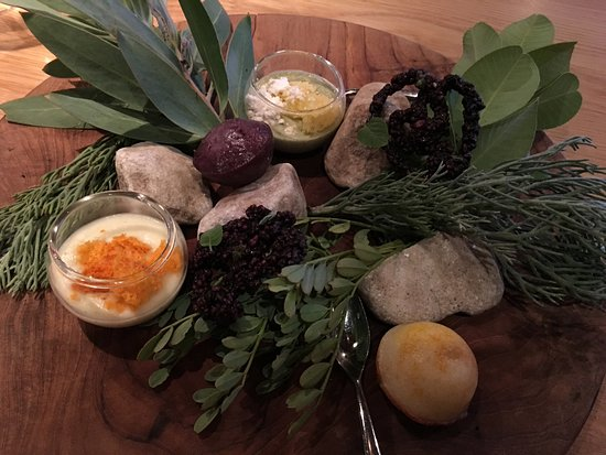 The Tasting Room at Le Quartier Francais: First course