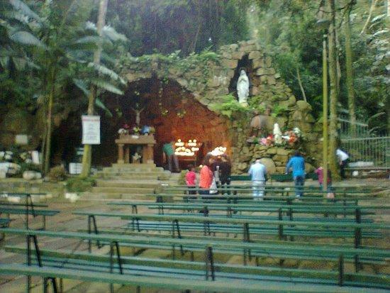 Nossa Senhora de Lourdes Grotto
