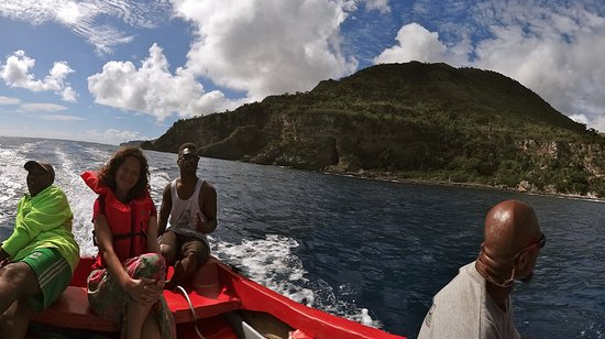 Остров Анива, Вануату: We took a boat ride to Tanna which was magical!