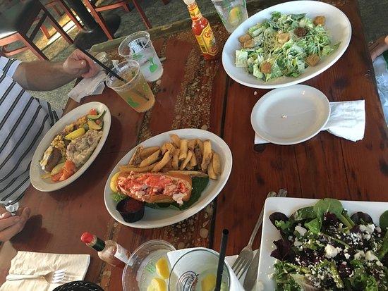 The Beachead Restaurant: photo3.jpg
