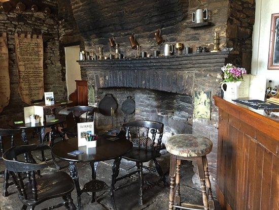 Llanvihangel Crucorney, UK: Skirrid Inn interior