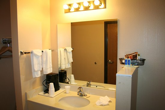 Salina, UT: Vanity area is separate from the toilet/bath area