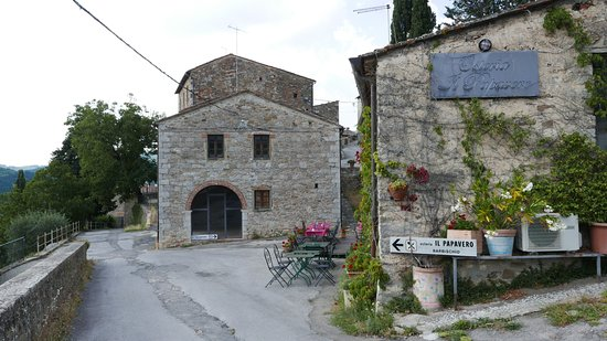 Osteria il Papavero: View from the approach to the restaurant