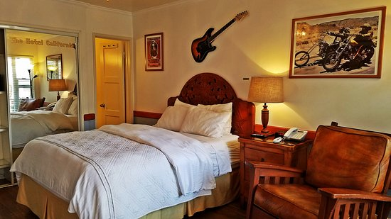 The Hotel California: One Queen Bed Room