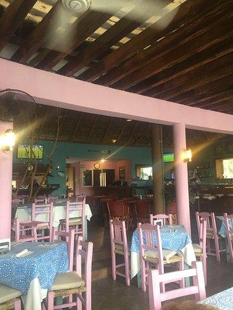 Oso's Oyster Bar: photo1.jpg