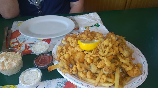 heaping seafood platter picture of petey s summertime seafood rye